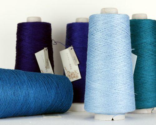 商品のご紹介「Luce(リュセ)」光沢のあるサフィラン社のリネン合細糸